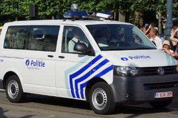 Cd2add camionnette volkswagen transporter de la zone de police turnhout (police locale)