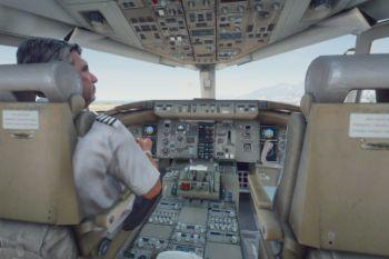 Ad6a30 cockpit1