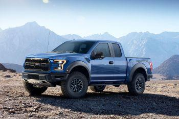 Dcec16 2017 ford f 150 raptor left front angle