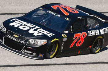 F820f8 022815 nascar martin truex jr honor quiktrip 500 pi fk .vresize.1200.675.high.11