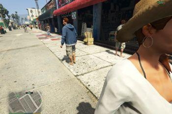 B05abd pickpocket lady with hat 00