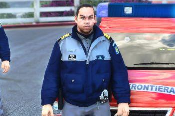956616 politistidefrontiera(3)