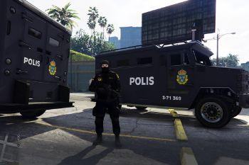 84ee3a polisriot