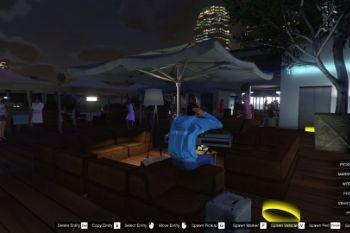 58b4e0 party 01