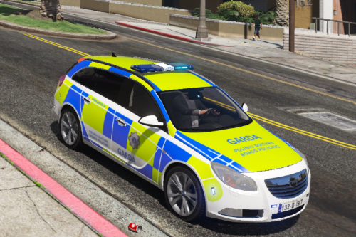 2013 Opel Insignia Garda Roads Policing Unit