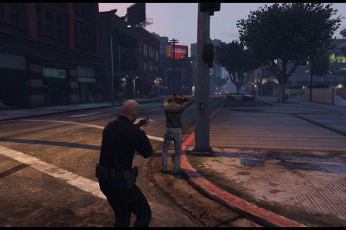 Arrest Peds V (Police mech / cuffs)