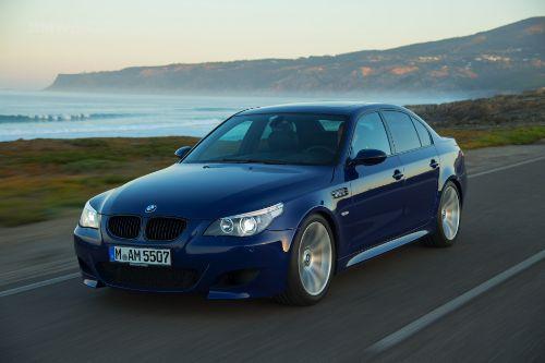 BMW M5 E60 [Realistic Handling]