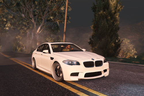 BMW M5 f10 Handling (mouse steering)
