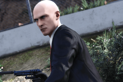 "HITMAN ""World of Assassination"" Improvements [Replace Trevor]"