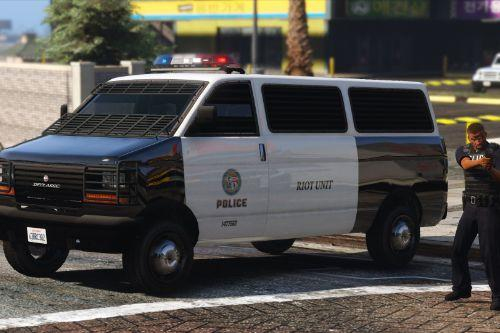 Improved Police Transporter [Replace]