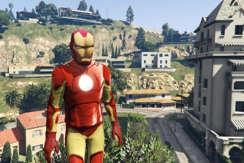 Iron Man (w/ Helmet Model)