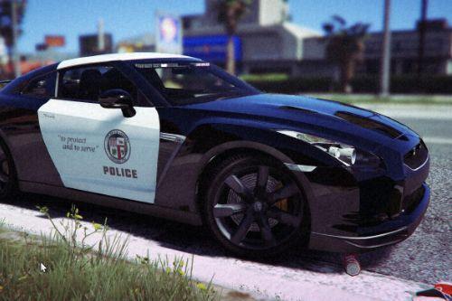 LAPD Slicktop Nissan GTR