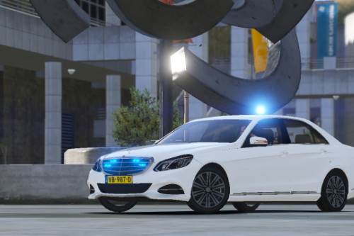 Mercedes Benz E-class Dutch Unmarked Police [Replace | ELS]