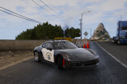 Porsche 718 Cayman S Highway Patrol [Paintjob]