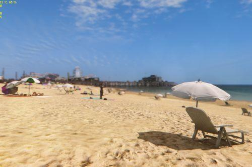 Realistic and Populated Beach Mod