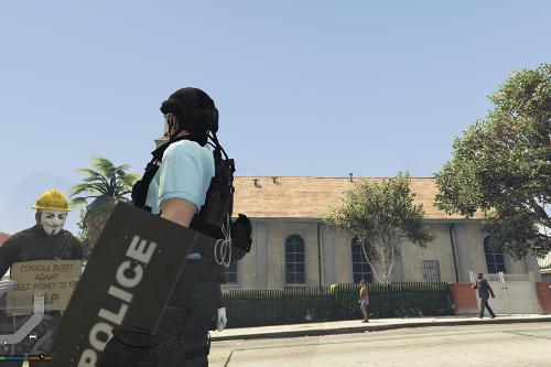 Riot Shield防暴盾牌