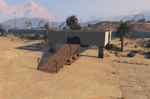 Sandy Shores airfield mechanic (Map builder/Menyoo)