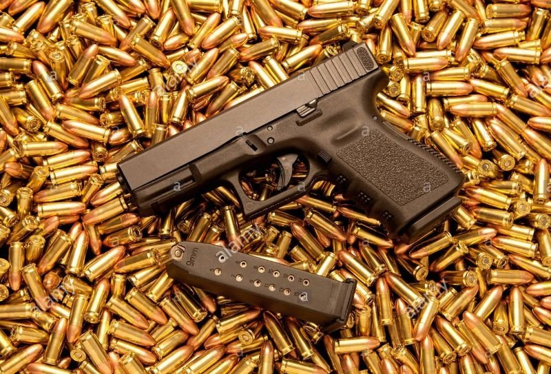 39a325 9mm pistol with loaded magazine and live ammunition px4p5y