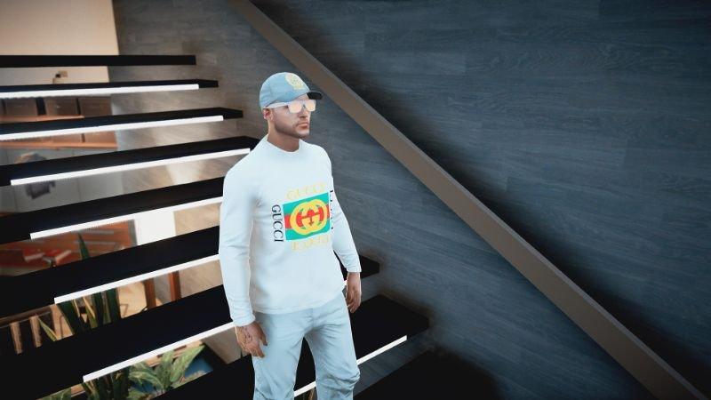E5d23c luxurysweater(2)