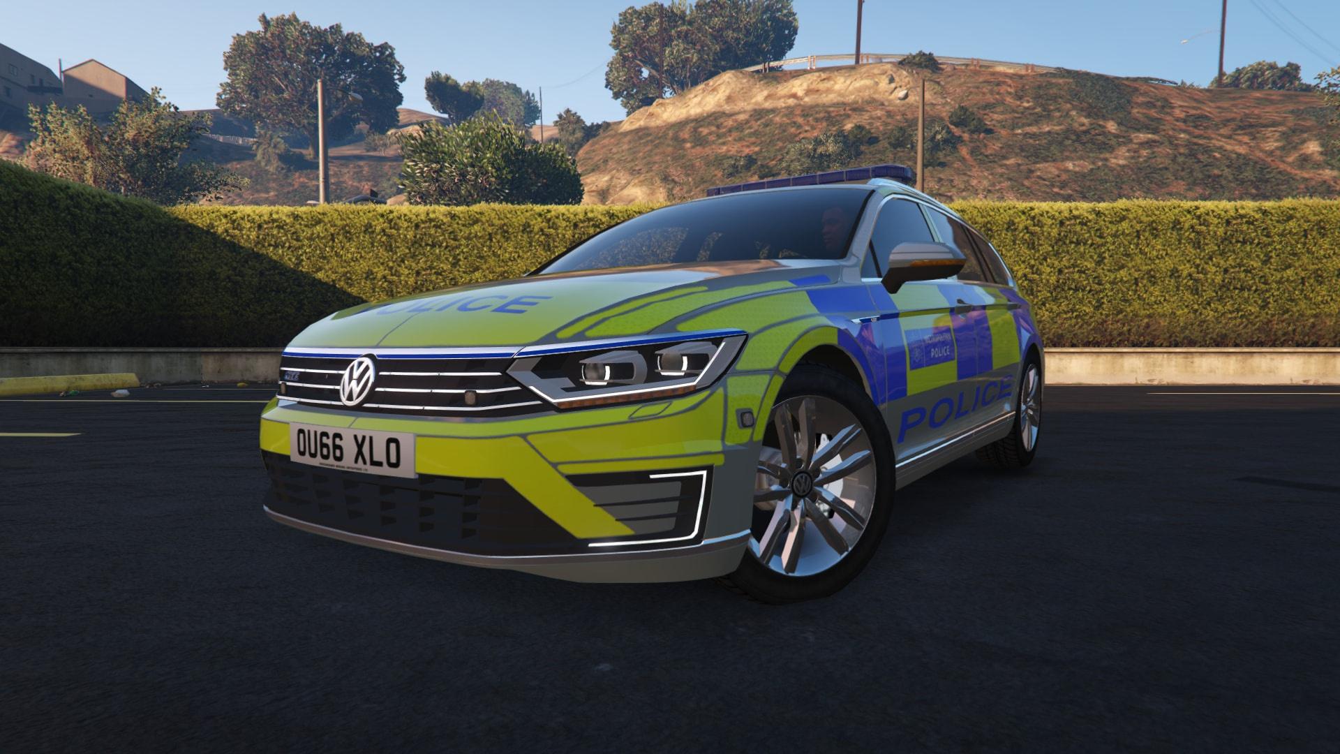2017 Met Police Volkswagen Passat GTE Estate [ELS]