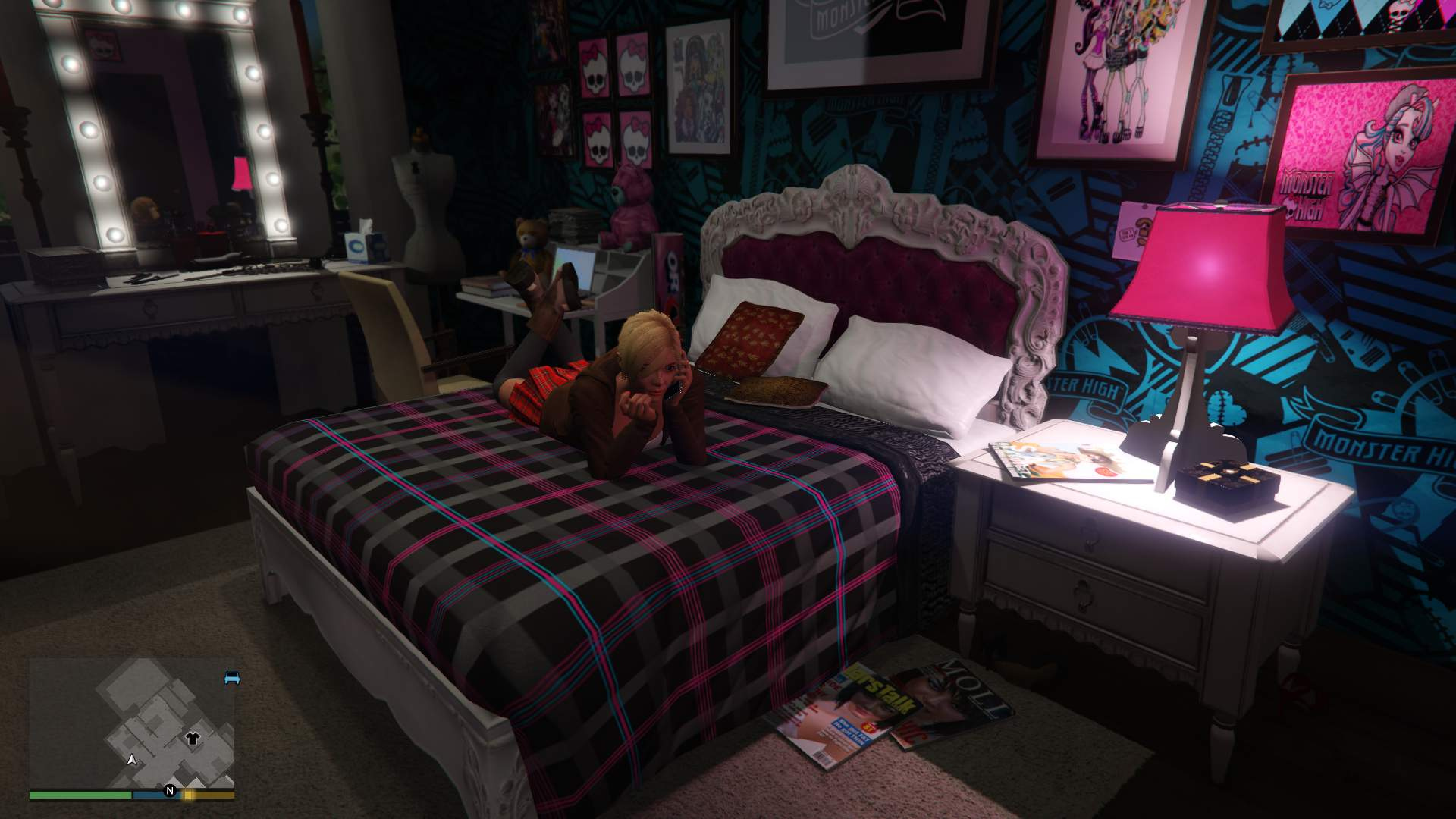 Monster high decoration and new bed for tracey 39 s room art for michael 39 s gta5 - Deco chambre monster high ...