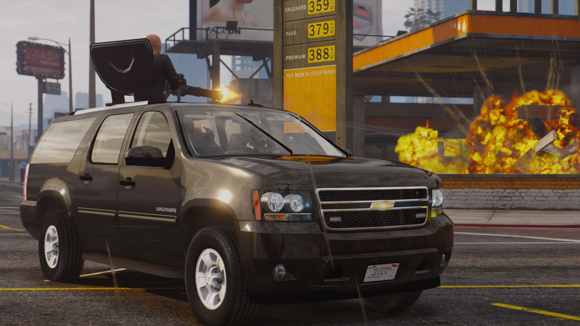 Chevrolet Suburban With Pop Out Gatling Gun Wipers Gta5