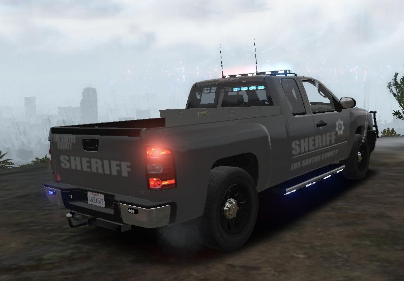 Chevy Silverado LT Ext Cab Police Pickup Xmas Version - GTA5