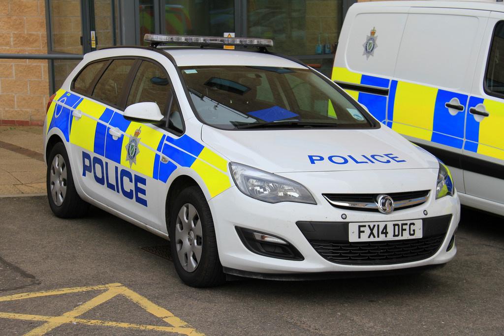 lincolnshire police vauxhall insignia estate uk british. Black Bedroom Furniture Sets. Home Design Ideas