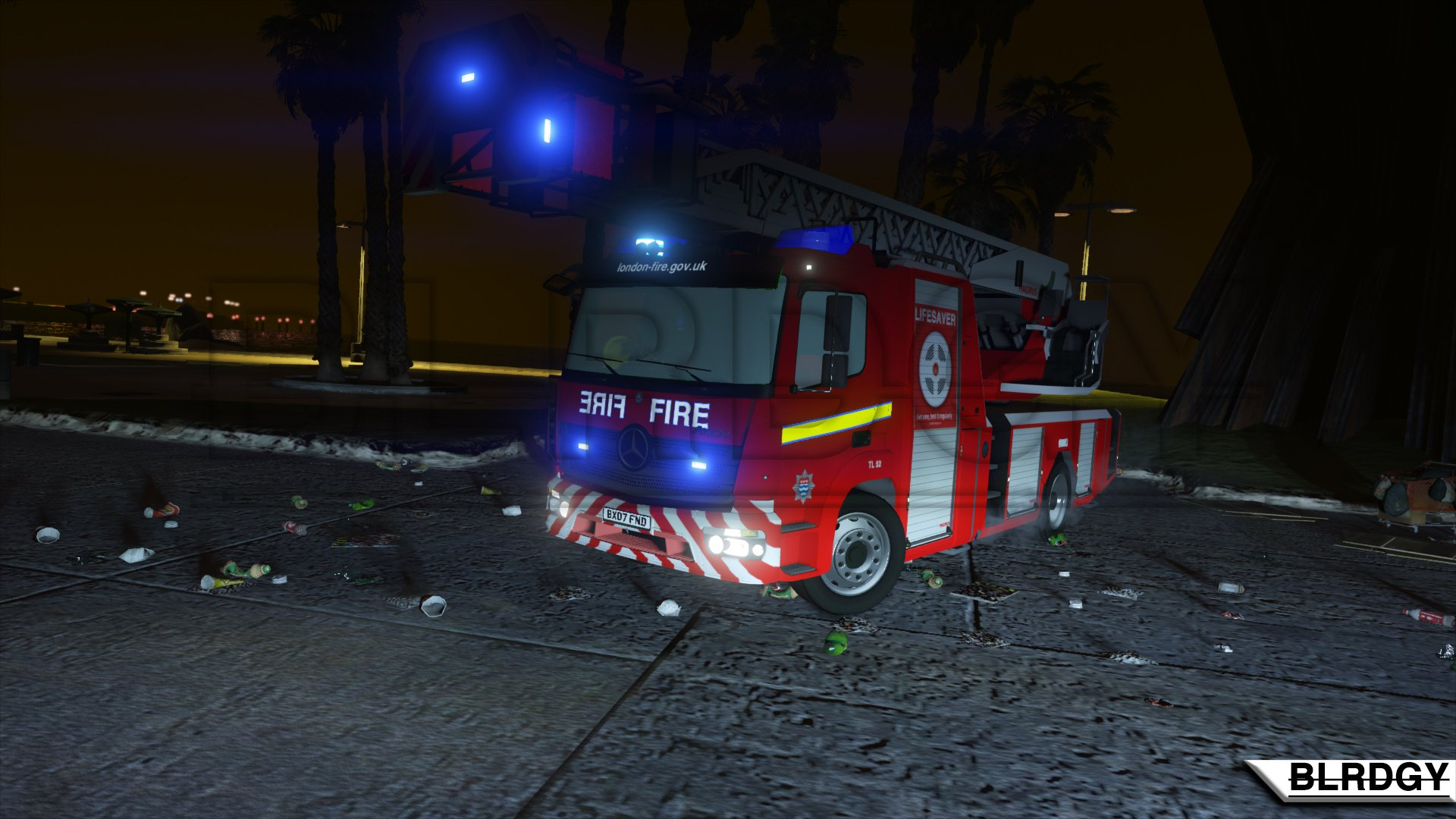 Reflections] Mercedes Benz Atego Turntable Ladder LFB GTA5 Mods