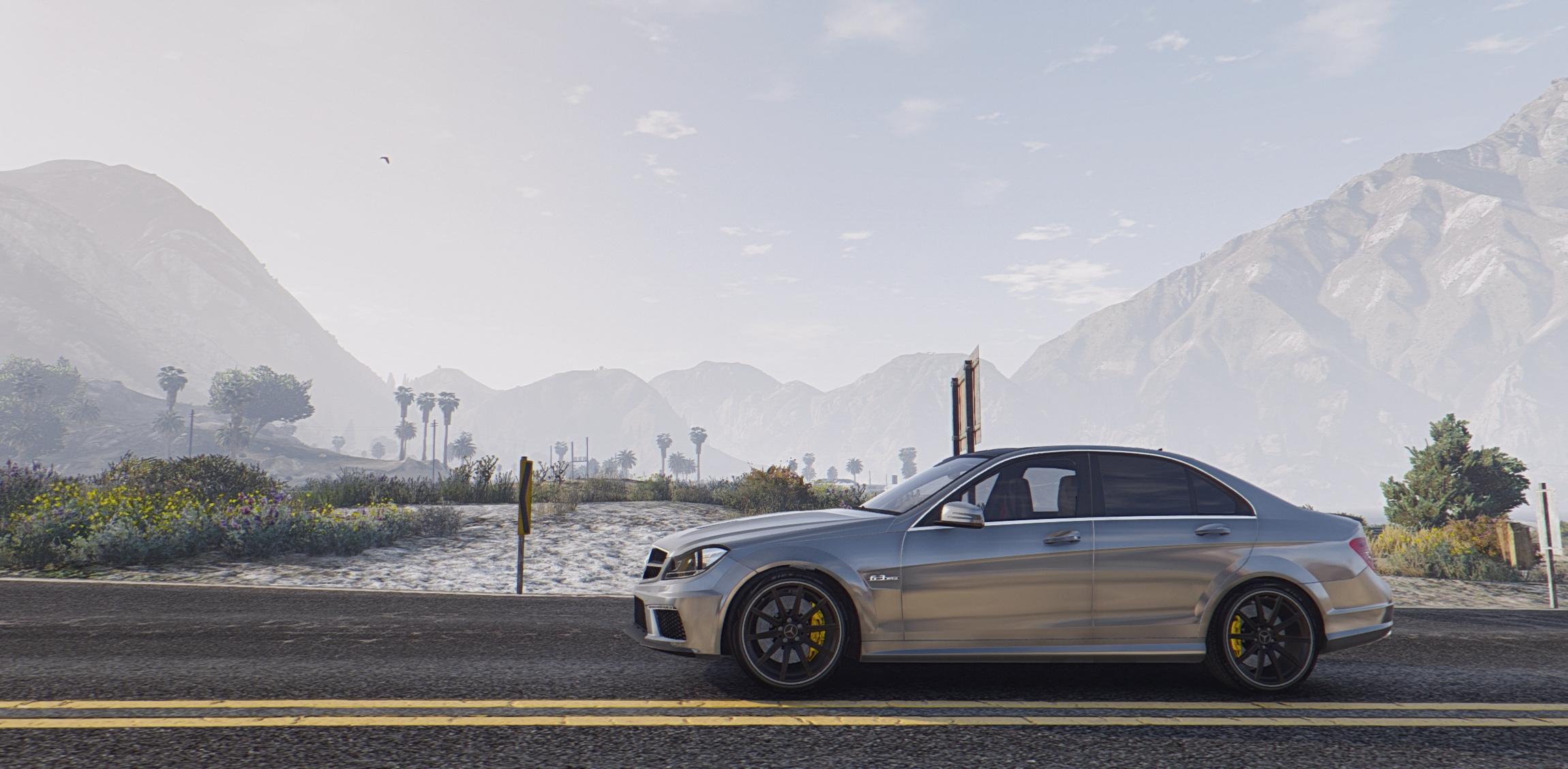 Mercedes Benz C63 AMG GTA5 Mods