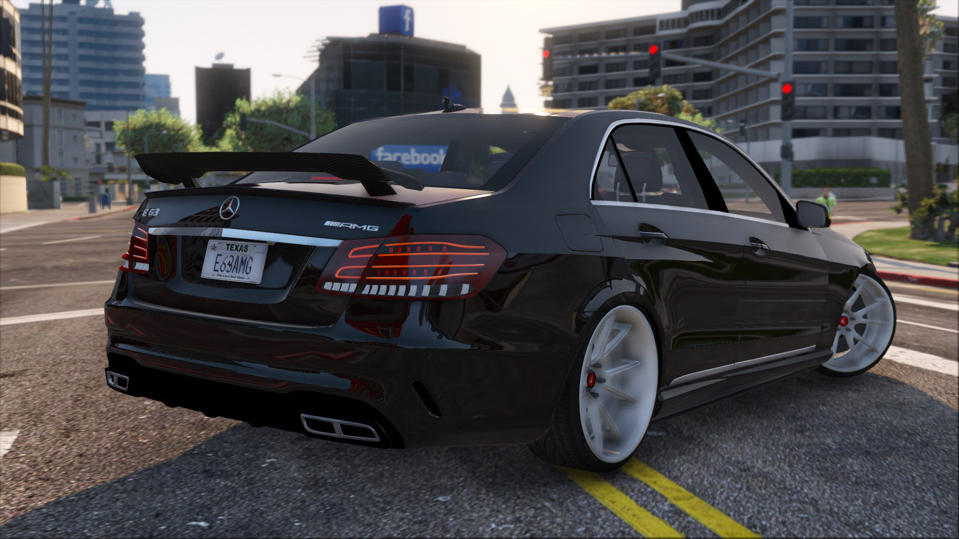 Mercedes benz e63 amg gta5 for Mercedes benz gta