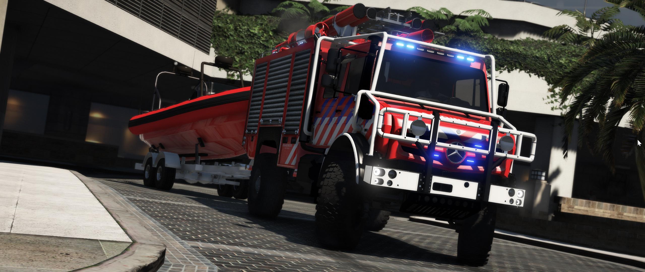 Off Road Fire Truck >> Mercedes Benz Unimog Offroad Firetruck W Boattrailer