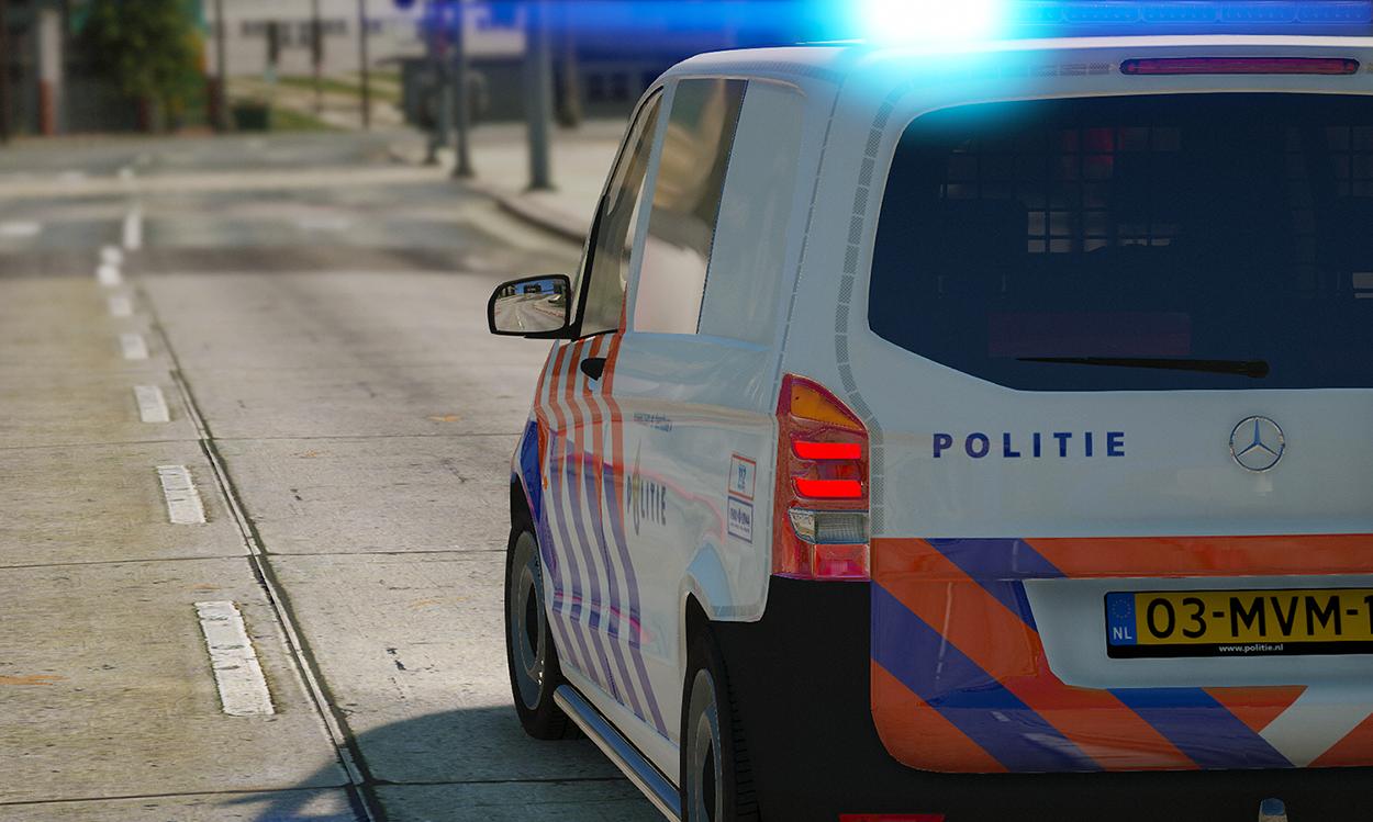 aanbesteding politievoertuigen 2015 2016 mercedes b klasse mercedes vito volkswagen touran. Black Bedroom Furniture Sets. Home Design Ideas