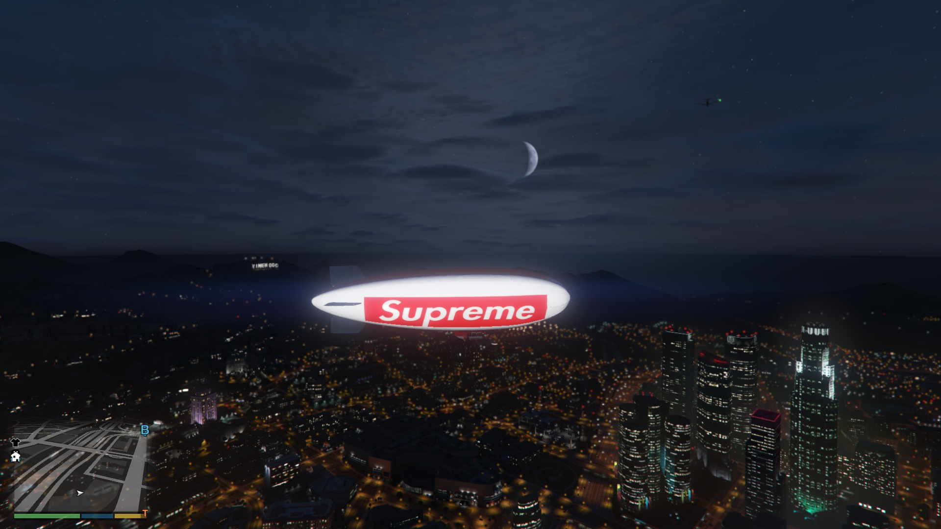 Supreme Blimp [HD] [Atomic Blimp Reskin] - GTA5-Mods.com