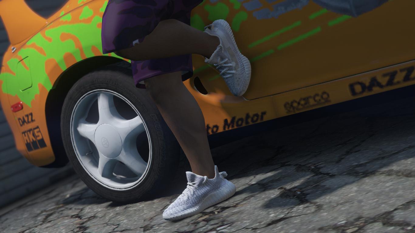 8717acad1da Yeezy 350 V2 Static Texture (Gucci Feet White Sock) - GTA5-Mods.com
